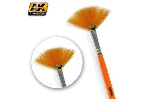 FAN SHAPE WEATHERING BRUSH - AK580
