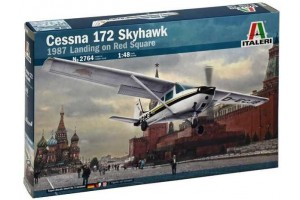 CESSNA 172 SKYHAWK - 1987 Landing on Red Square (1:48) - 2764